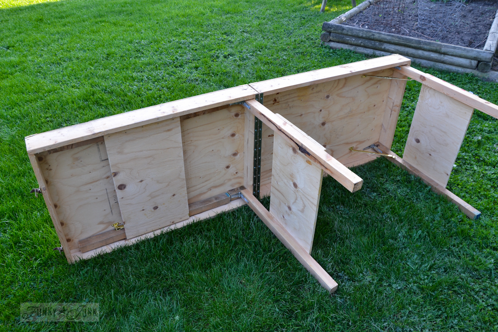 Outoor-workshop-folding-table-0933